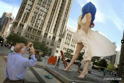 Marilyn Monroe Statue Leaves Chicago