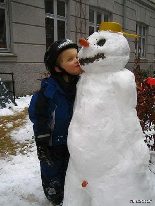 Some Funny Snowmen Sculptures