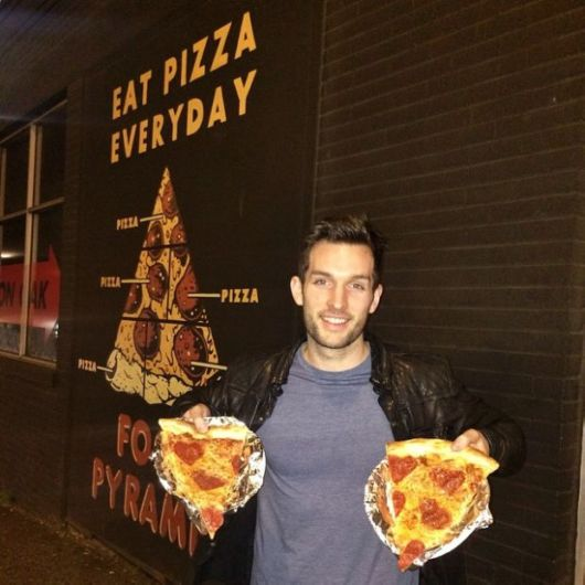 Guy Living His Dream Of Travelling The World And Eating Pizza
