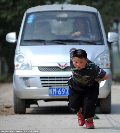 Young Weightlifter In China