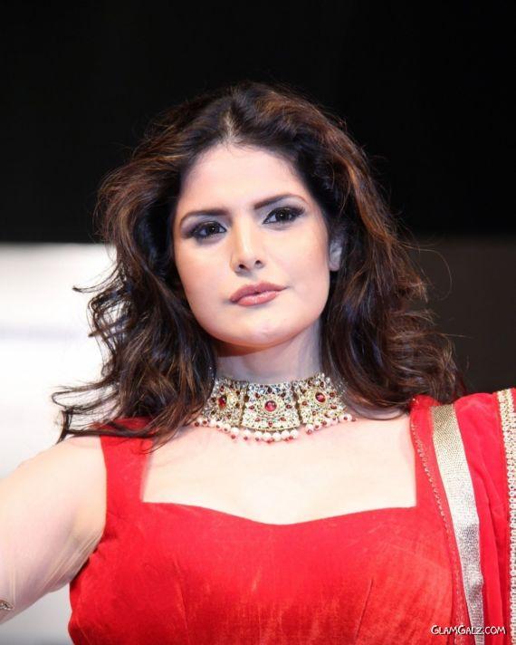 Zarine Khan On The Ramp At Hyderabad Fashion Week