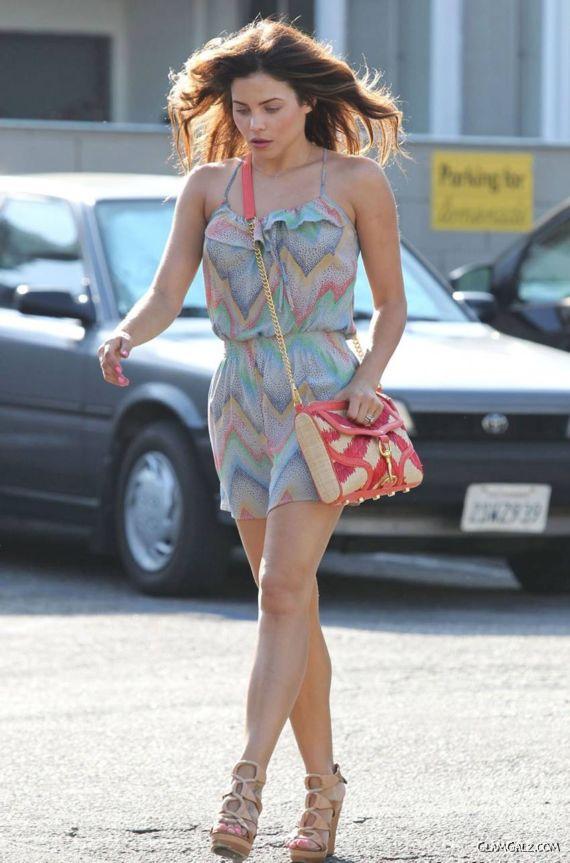 Jenna Dewan Walking In Beverly Hills
