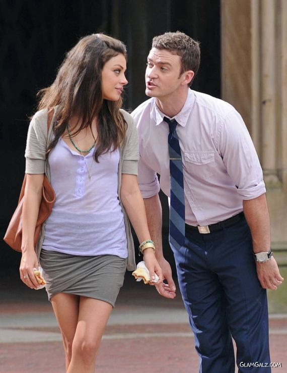 Pretty Mila Kunis Walking With Her BF