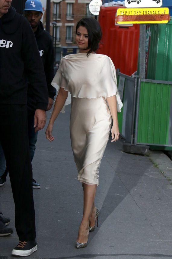 Selena Gomez Leaving A Studio In Paris