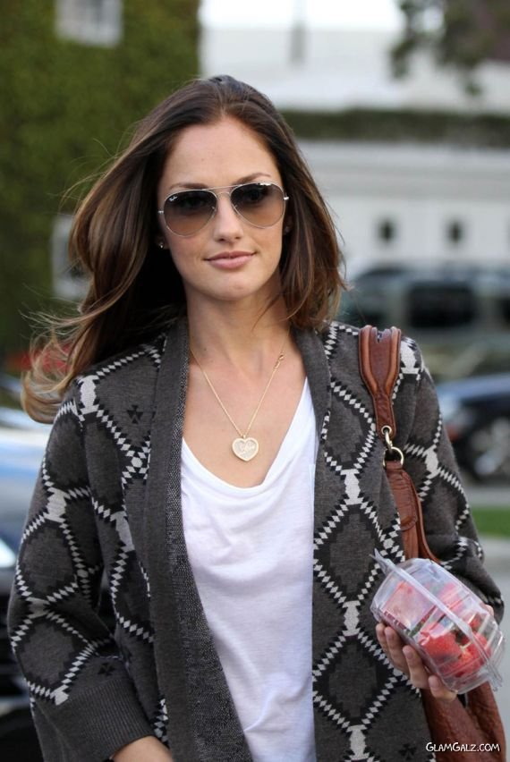 Charming Minka Kelly on The Streets