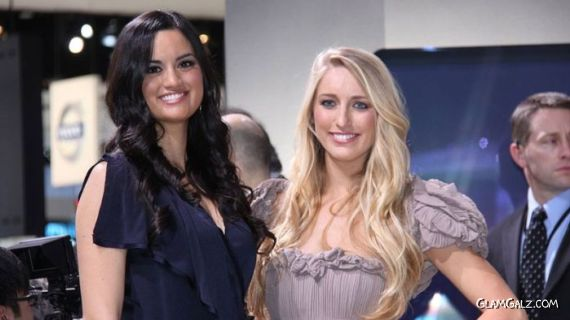 Pretty Models At Detroit Auto Show