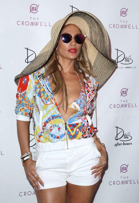 Jennifer Lopez At Carnival Del Sol In Las Vegas