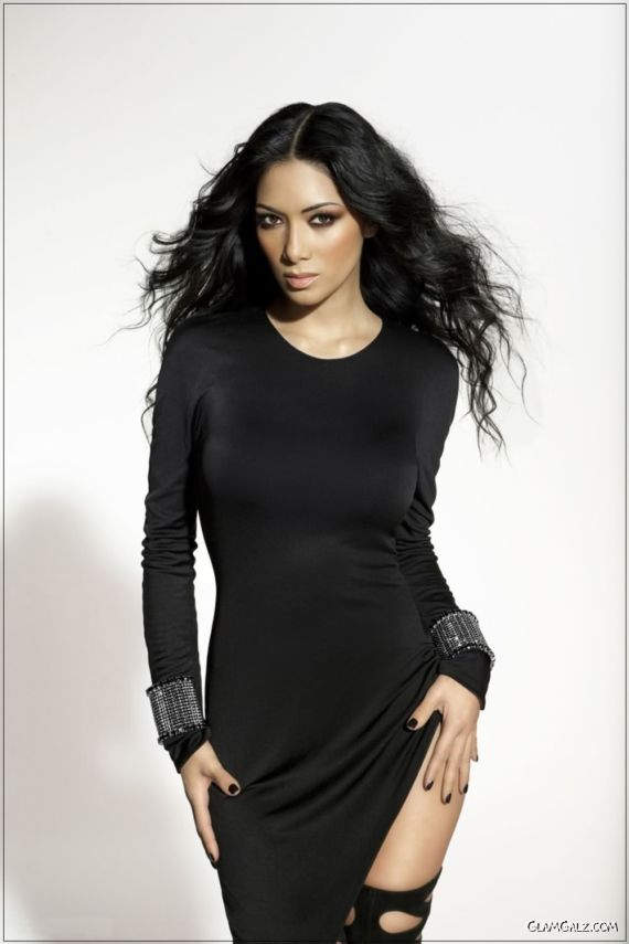 Nicole Scherzinger is Amazingly Beautiful