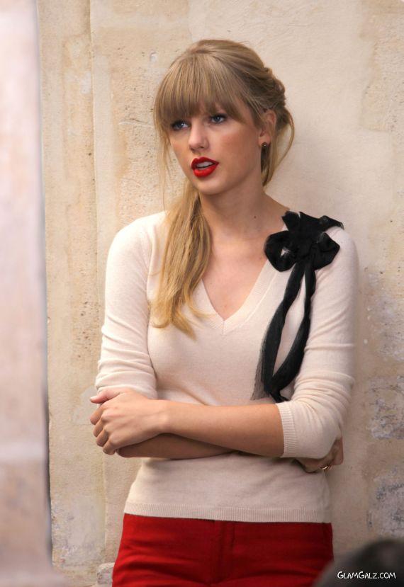 Taylor Swift On Set Of Begin Again