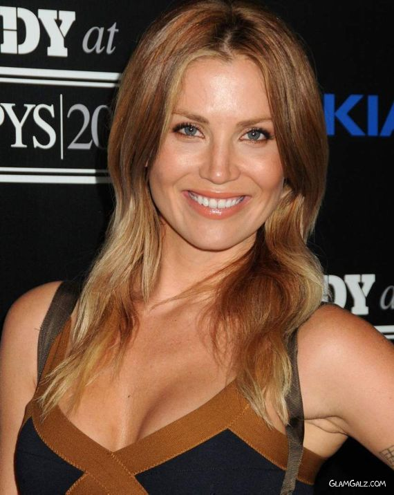Gorgeous Willa Ford Picture Gallery