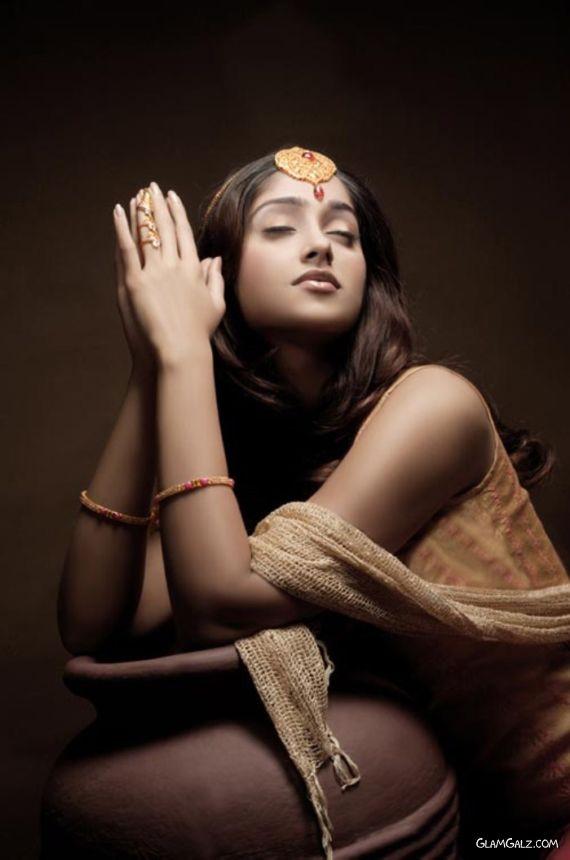 Ileana DCruz Unveil Various Ornaments In Jewellery Ads