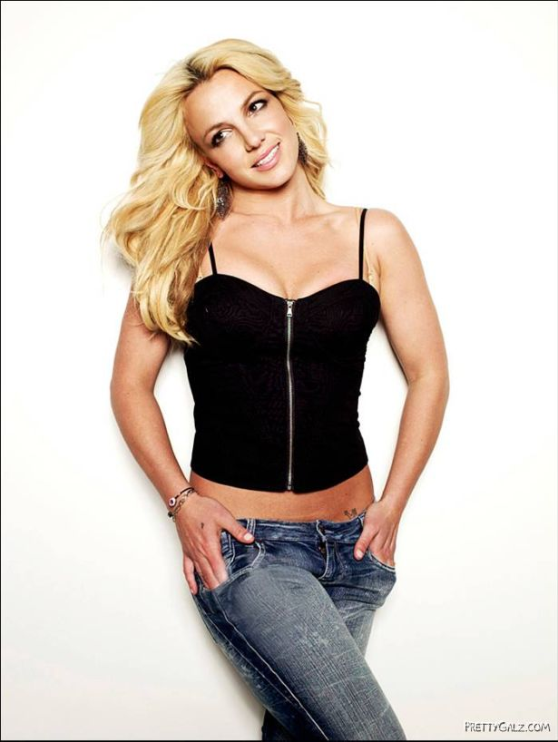 Britney Spears Poses for Cosmopolitan