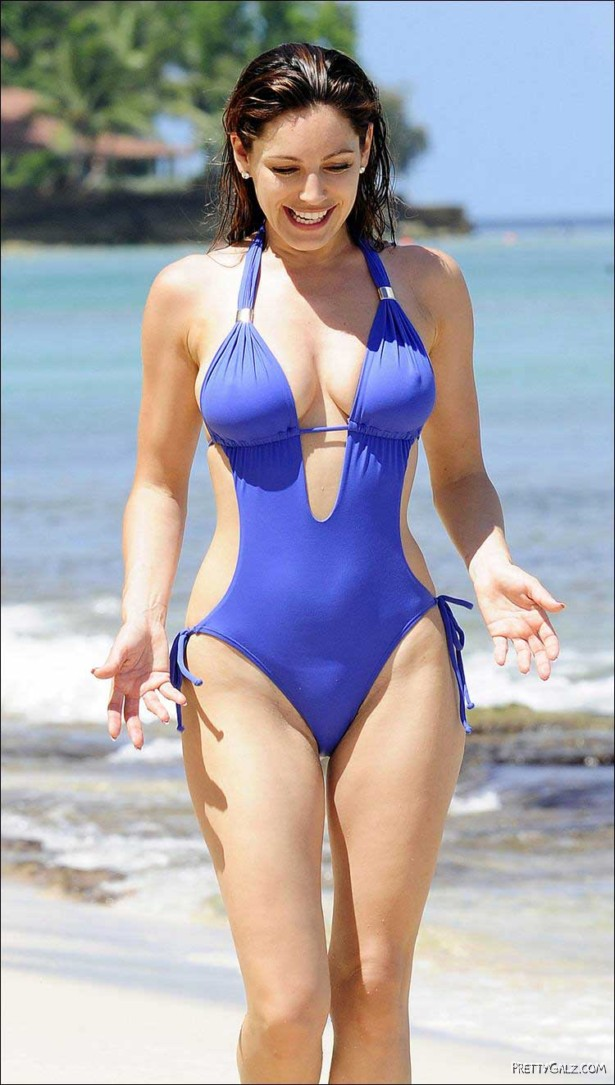 Lovely Kelly Brook In Blue